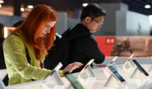 Bài toán nan giải siêu phẩm Android xuống giá