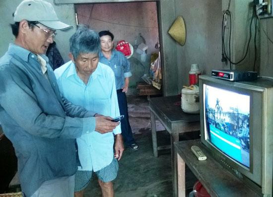Hà Nội: Lắp đặt đầu thu cho người nghèo chậm nhất trong số 23 tỉnh, thành