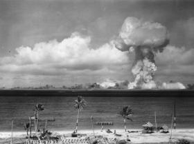 Tìm thấy bom hạt nhân của Hitler dưới hầm ngầm?