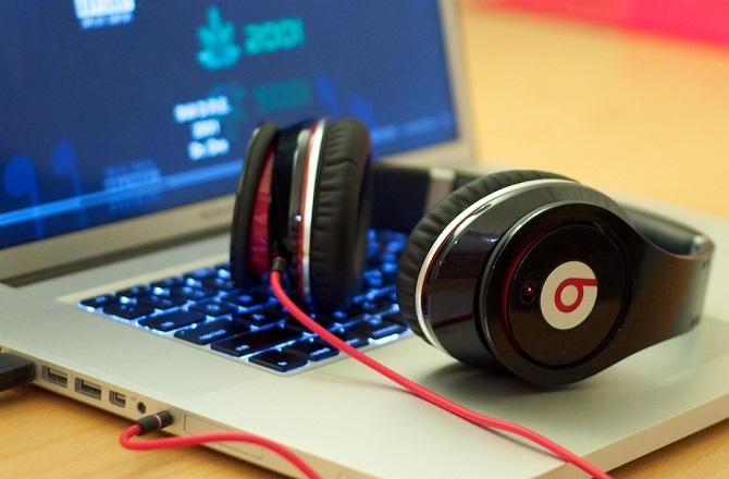 Cổng tai nghe tích hợp máy tính thường chỉ có chất lượng tương xứng với những chiếc tai nghe... dở tệ của Beats.