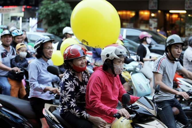Xe máy vẫn là phương tiện phổ biến nhất Việt Nam
