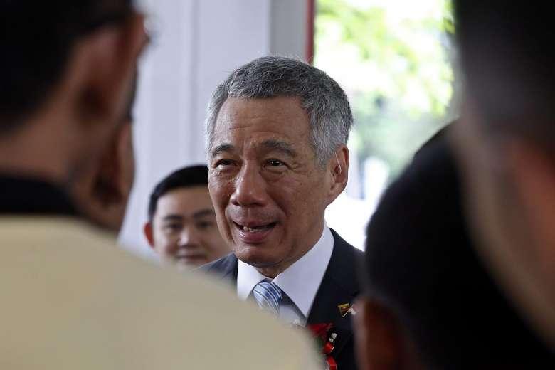 Thủ tướng Singapore là người đầu tiên tình nguyện không dùng Internet tại công sở