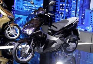 Xe máy Việt Nam tăng giá 50%: Đắt hơn Thái Lan cả ngàn USD