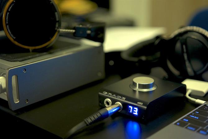 Vượt qua sự nghi ngại của người dùng vốn đã quá quen với chất lượng quá cao của những chiếc amp/DAC giá rẻ, amp/DAC tầm trung (400 - 600 USD) đã vươn lên trở thành lựa chọn đầu tư hợp lý nhất, đáng tiền nhất cho các audiophile vào lúc này.