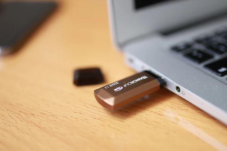 USB 32GB 3.0 giảm còn 165 ngàn kèm bảo hành chính hãng 5 năm