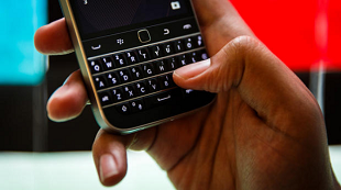 """BlackBerry ngưng sản xuất dòng Classic để """"tiếp tục đổi mới"""""""