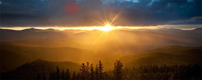 Tại sao Mặt trời màu vàng, mây trắng và trời xanh?