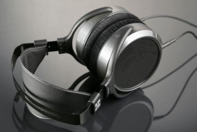 Các sản phẩm audiophile mang thương hiệu của Massdrop phủ sóng từ phân khúc cao cấp tới phân khúc cấp thấp, mang tới nhiều lựa chọn ngay cả cho những người dùng hạn hẹp kinh phí nhất.