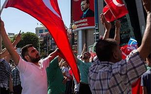 """Mạng xã hội đã giúp """"hạ gục"""" phe đảo chính Thổ Nhĩ Kỳ"""