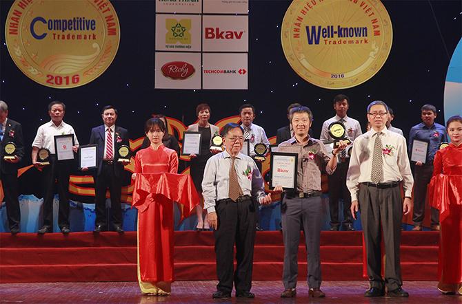 Bkav tiếp tục vào Top 10 Nhãn hiệu nổi tiếng nhất Việt Nam