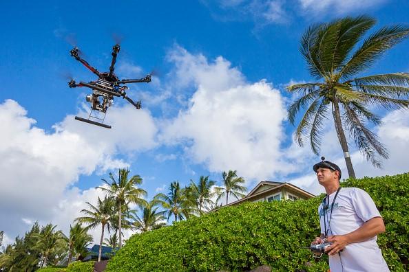 Bị bắt vì tường thuật trực tiếp đám cháy bằng... drone