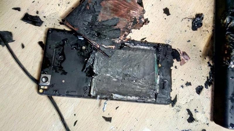 Xiaomi Mi4i phát nổ khi đang sạc khiến nhiều người hoảng loạn
