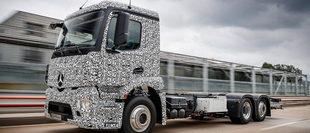 Mercedes-Benz giới thiệu xe tải điện có thể chạy liên tục 200 km