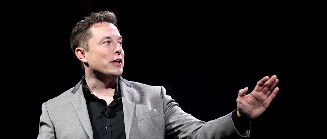 Elon Musk: Từ cậu bé mít ướt tới người đàn ông thú vị nhất làng công nghệ