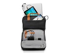 Balo có thể sạc pin cho smartphone, laptop