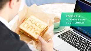 Máy nướng mới giúp in nội dung tùy ý lên bánh mỳ