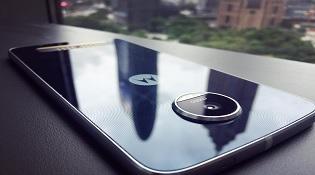 Motorola Moto Z Play tiếp tục lộ bản màu trắng