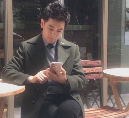Lâm Chí Dĩnh bất ngờ khoe ảnh đang dùng iPhone 7 Plus