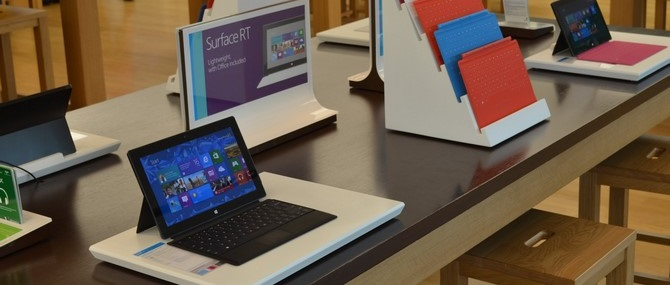 """Chuyện về Microsoft Surface, chiếc tablet tốt đến nỗi Apple cũng phải """"copy"""""""