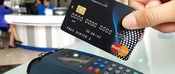 """Mastercard nói gì về những vụ tài khoản thẻ """"bốc hơi""""?"""