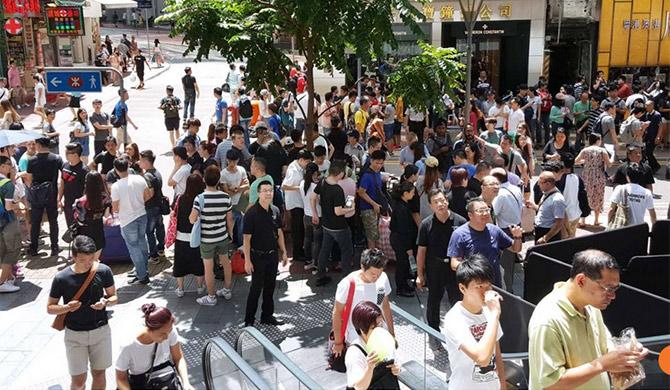 Apple Hong Kong không nhận đổi trả iPhone, dân buôn kém nhiệt tình hẳn
