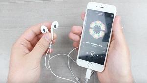 Apple sẽ sớm sửa lỗi tai nghe Lightning EarPods