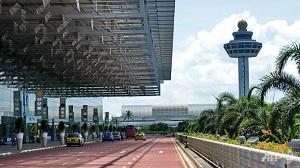 Singapore bắt giữ hai đối tượng lợi dụng vé máy bay để mua iPhone 7