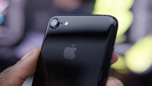 iPhone 7 màu Jet Black khan hàng do khó sản xuất