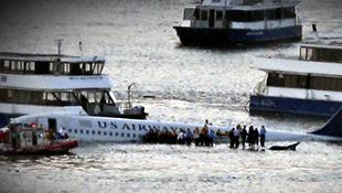 Cơ trưởng Sully - câu chuyện có thật về phép màu trên sông Hudson