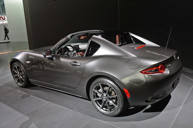 Mazda MX-5 Miata RF Launch Edition 2017 giá bao nhiêu? thiết kế & vận hành 14