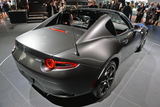 Mazda MX-5 Miata RF Launch Edition 2017 giá bao nhiêu? thiết kế & vận hành 6