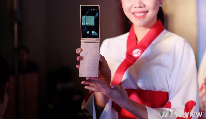 FreeTel ra mắt 5 smartphone giá rẻ, có mẫu nắp gập