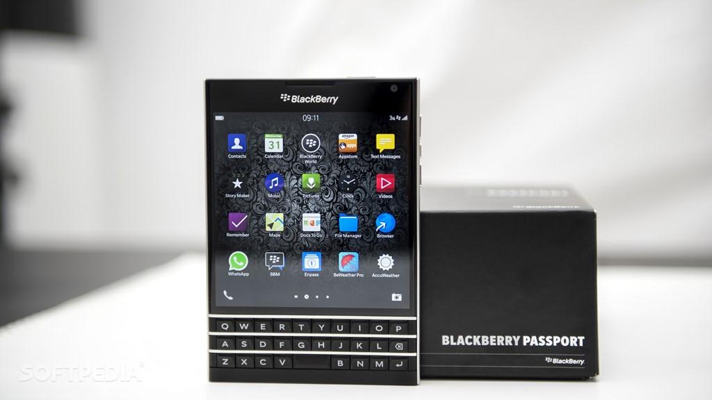 BlackBerry Passport quốc tế về Việt Nam có giá 6,5 triệu đồng