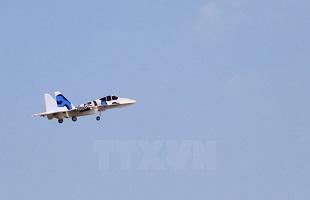 Học sinh lớp 11 chế tạo mô hình máy bay chiến đấu Su-37