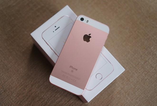 iPhone SE đồng loạt giảm giá 2-3 triệu đồng