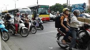 Kiểm soát cả khí thải xe máy