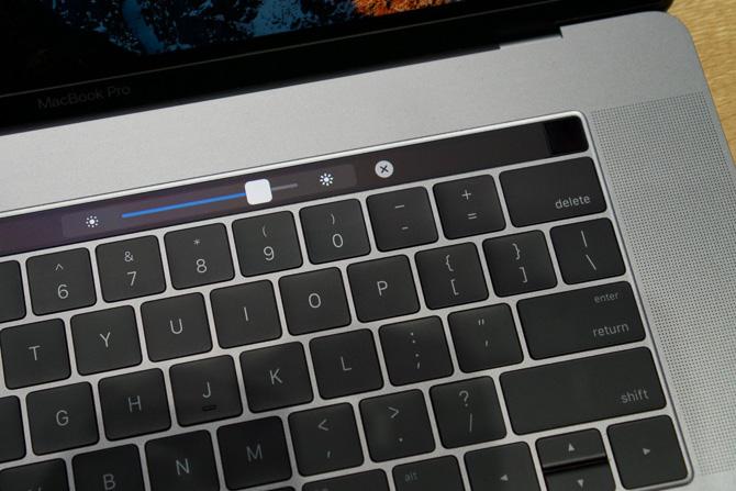 Trên tay MacBook Pro 2016