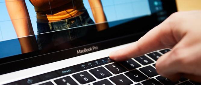 Tại sao máy tính mới của Apple, Microsoft sử dụng vi xử lí cũ như vậy?