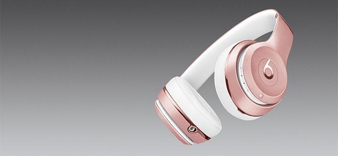 Tặng bạn đọc tai nghe Beats Solo 3 Wireless