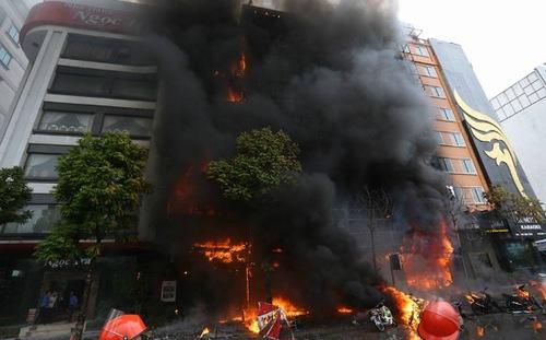 Thủ tướng chỉ đạo làm rõ vụ cháy lớn tại Hà Nội