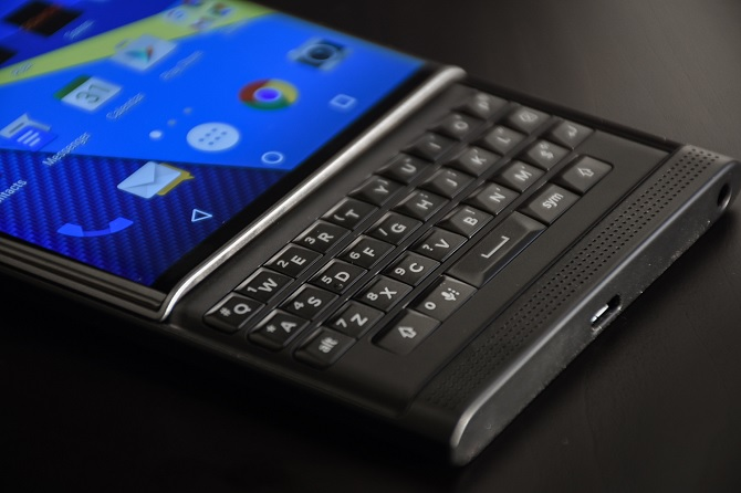 """BlackBerry sẽ sớm ra mắt smartphone bàn phím vật lý """"chính chủ"""""""