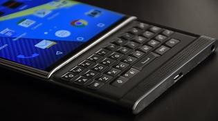 BlackBerry sẽ sớm ra mắt smartphone với bàn phím QWERTY