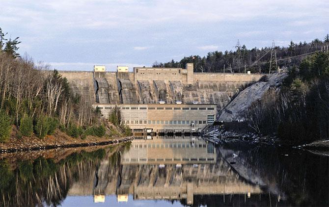 Các đập thủy điện đang xả ra quá nhiều khí thải?
