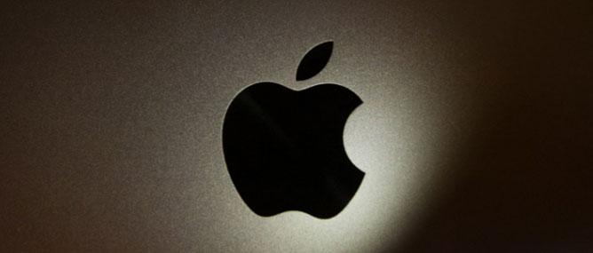 """iPhone có thể được sản xuất ở Mỹ, """"chi phí đội lên gấp đôi"""""""