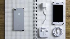 Phụ kiện mạ vàng giúp bảo vệ các góc cạnh của iPhone