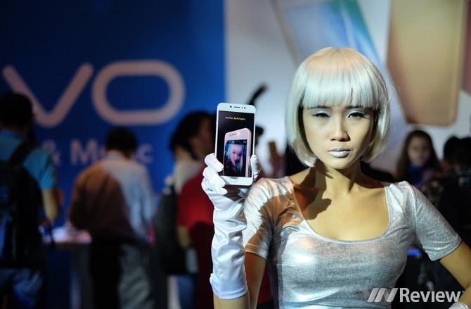 Vivo V5 ra mắt: Camera selfie 20MP, giá 6 triệu đồng