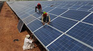 Ấn Độ hoàn thành hệ thống điện mặt trời lớn nhất thế giới