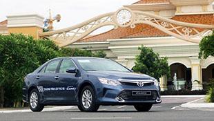Toyota Camry 2016 thêm trang bị, giảm giá bán tại Việt Nam