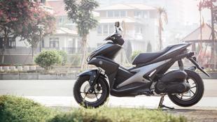Yamaha NVX đặc biệt màu đen mờ mới bán tại Việt Nam