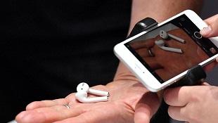 Apple cố tình trì hoãn ngày bán ra tai nghe AirPods?